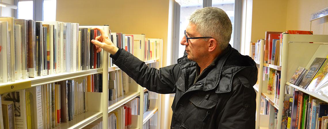 HeaderPage_BibliothequeMontluelInterieur2